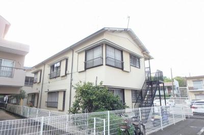 東急東横線「綱島」駅より徒歩5分!スーパーやコンビニも近くて便利!閑静な住宅地にある2階建てアパートです♪