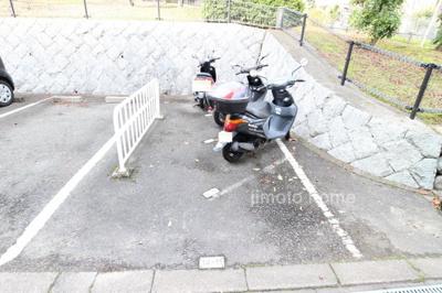 敷地内バイク置き場