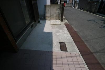 【駐車場】東山本新町3丁目貸家