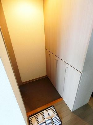 シューズボックスがあるので玄関がすっきり片付きます♪お客様のお出迎えもスムーズに☆