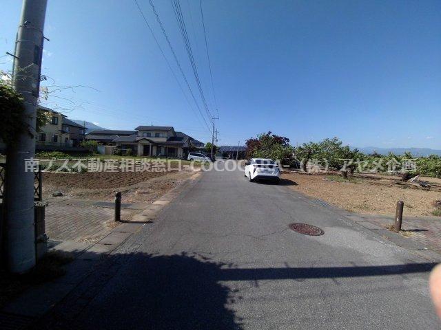 東前面道路状況:南より撮影