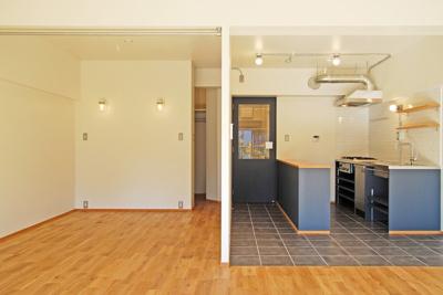 キッチンと隣の部屋です!!