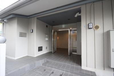 【エントランス】カサベラ新在家ツインズ1号館