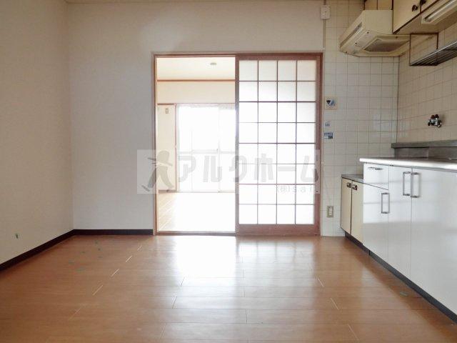 大県マンション2 居間・リビング