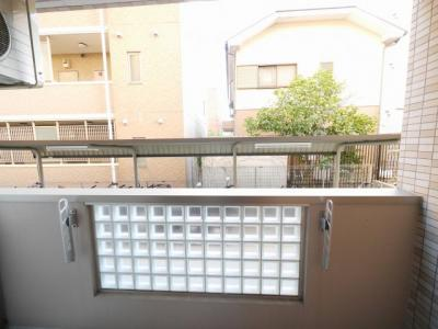 バルコニーからの眺望です。周辺は住宅街です。