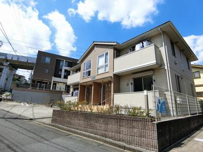 小田急多摩線「五月台」駅徒歩2分!駅近の2階建てアパートです♪スーパーやコンビニも近くてお買い物にも便利です☆