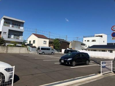 広くて駐車しやすいパーキングです!