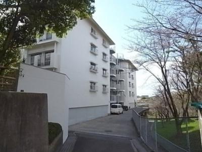 【現地写真】 鉄筋コンクリート造の総戸数27戸♪