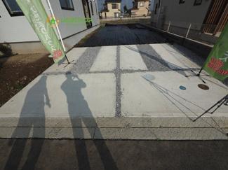 駐車スペースは並列2台可!