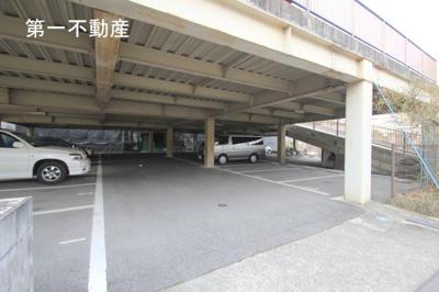 【駐車場】リバージュ西脇