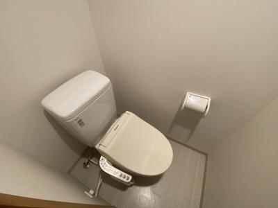 温水洗浄便座付きです♪