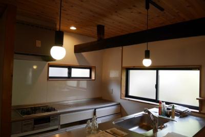 カウンターキッチン+コンロ付きのキッチン