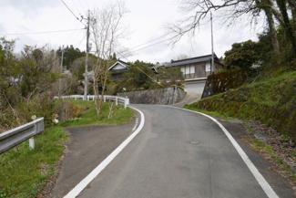【前面道路含む現地写真】美作市小野 中古住宅3LDK+離れ+蔵