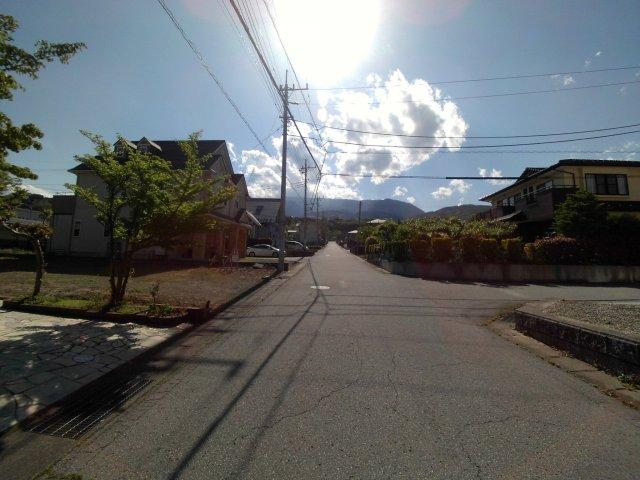 東より撮影:前面道路状況