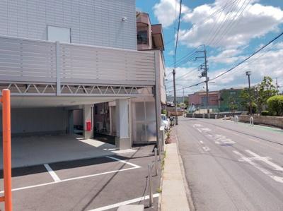 土塔町1棟貸し 42.4坪!店舗事務所 1F6台駐車可、その他付近に6台あり!