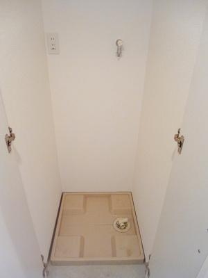 ニューシティアパートメンツ蔵前の人感センサー付玄関ライトです