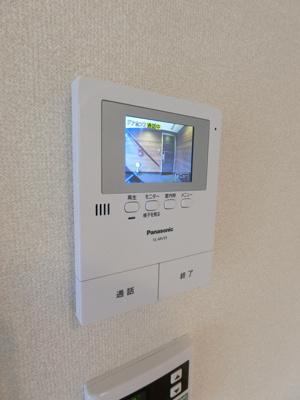 共用廊下はホテルライクな内廊下になっています☆雨に濡れる心配がなく、外から見えにくいのでセキュリティ面でも安心です♪