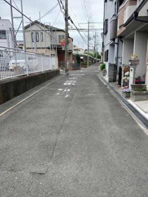【前面道路含む現地写真】寝屋川市美井元町中古物件