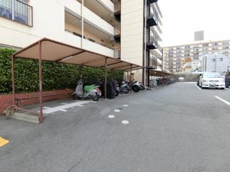 バイク置き場も完備されてます