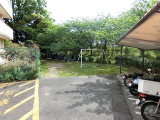 1号館に隣接する公園スペース