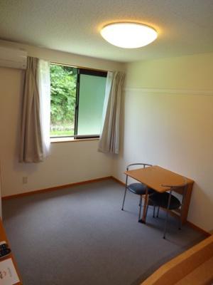 2階は、絨毯を採用