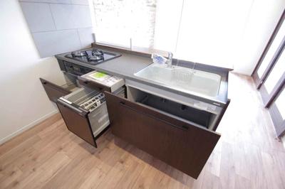 食洗機付きシステムキッチンです!!