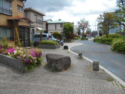 【前面道路含む現地写真】都岡町土地