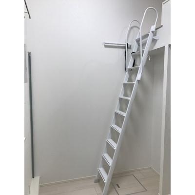 プレミア経堂の梯子