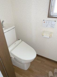 住居トイレ