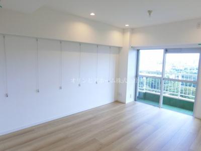 【居間・リビング】仲介手数料無料■ニューパークハイツ 14階 最上階 リノベーション済