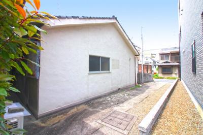 近鉄京都線『伏見駅』徒歩7分・京阪本線『丹波橋駅』徒歩9分・京阪本線『墨染駅』徒歩9分と交通アクセス便利な立地です。