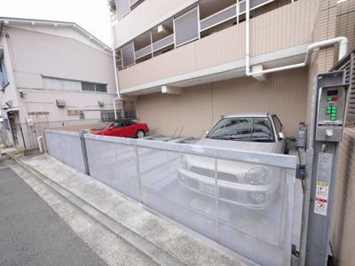 【駐車場】BAY・WEST
