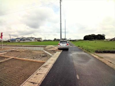 7月19撮影 前面道路を含む現地写真
