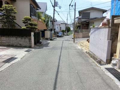 【現地写真】 前面道路、駐車もラクラク♪