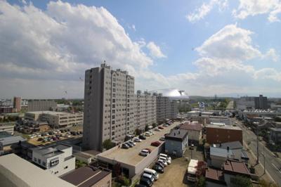 周辺に背の高い建物もなく、札幌ドームまではっきりと見渡せます