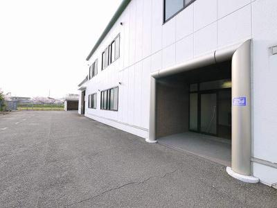 【エントランス】三条桧町 貸倉庫事務所