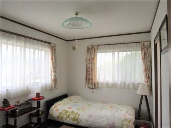 2階6帖寝室