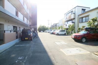 【駐車場】ガーデンフラットカメリア