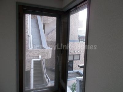 ペガサスマンション十条の窓