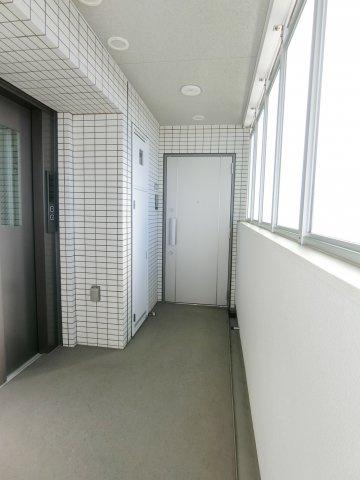 エレベーターホール&共用廊下