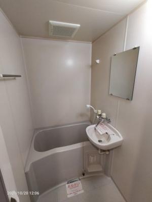 【浴室】ワイエムカリヤ