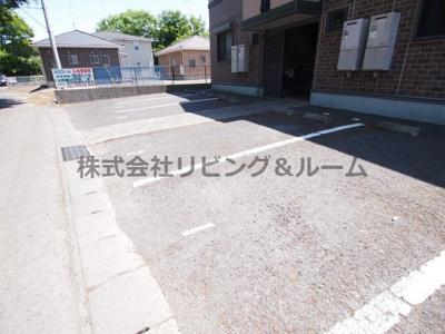 【駐車場】ルミエール・A棟