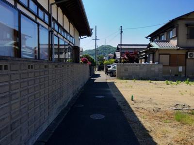 前面道路西側の現地写真です