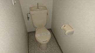 清潔感のあるシンプルなトイレです!