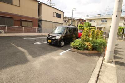【駐車場】エルピーザ