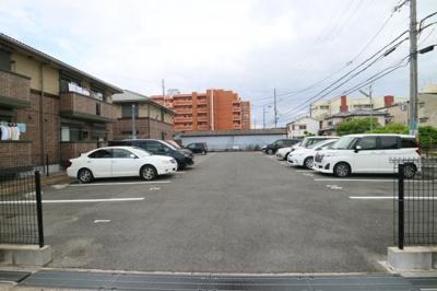 【駐車場】サニーコートA棟