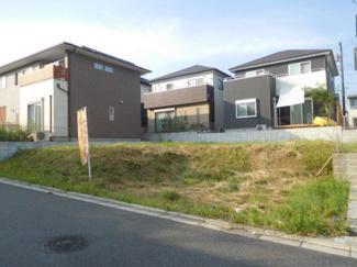 千葉市緑区おゆみ野中央 売地 南道路に面した日当たり良好な土地で、注文住宅に最適な整形地です。