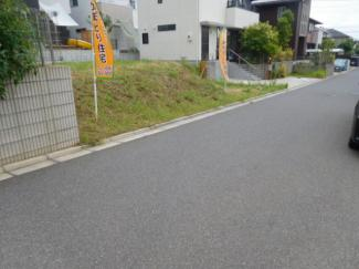千葉市緑区おゆみ野中央 売地 前面道路は住宅街の為、交通量が少なく安全です。