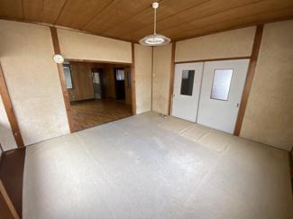 キッチン横のお部屋です。