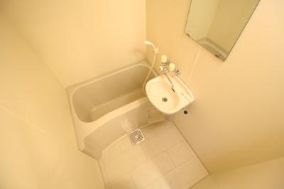 【浴室】リアルティ神戸名谷